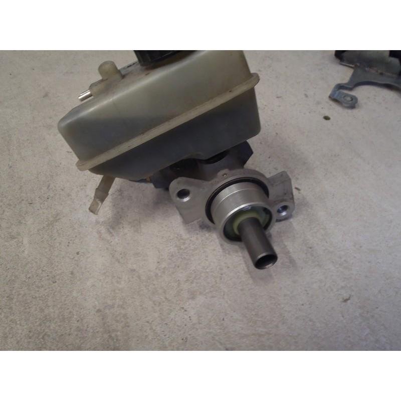 Maître cylindre de frein